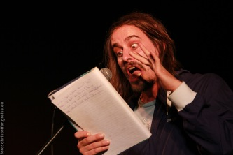 Andy Strauß beim Poetry Slam in Lübeck