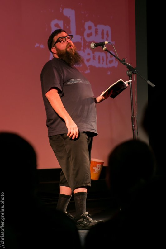 Mighty Mike McGee, Poetry Slam Filmhaus Lübeck November 2014. christoffer.greiss.photo