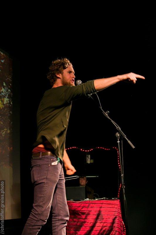 Hauke Prigge, Poetry Slam Filmhaus Lübeck November 2014. christoffer.greiss.photo