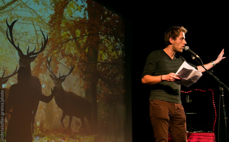 Philipp Czeney, Poetry Slam Filmhaus Lübeck November 2014. christoffer.greiss.photo