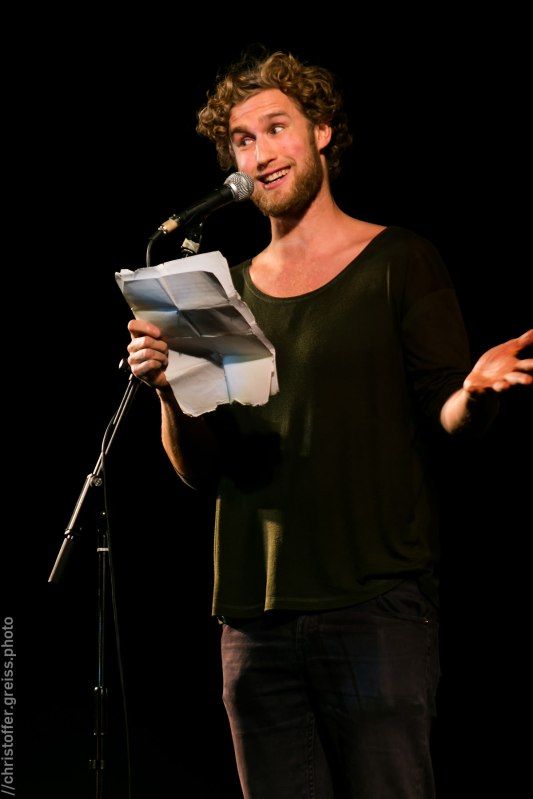 Hauke Prigge, Poetry Slam Filmhaus Lübeck November 2014. christoffer.greiss.photo