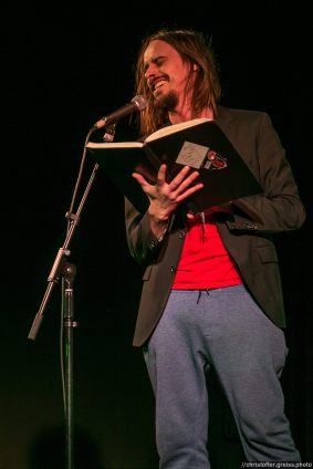 Andy Strauss // Poetry Slam 13.02.2016 Lübeck // christoffer.greiss.photo