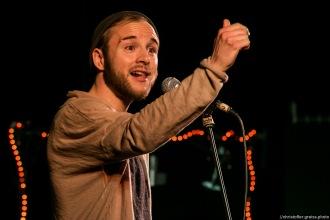 Finn Holitzka @ Poetry Slam Filmhaus Lübeck 14.05.2016